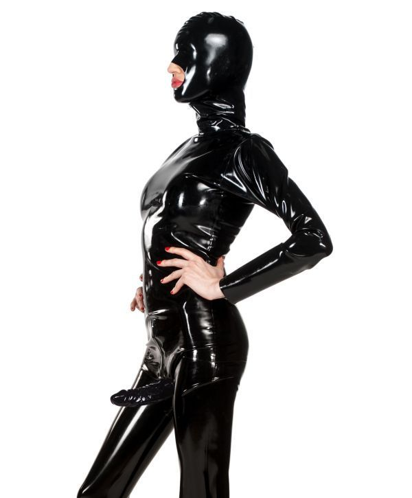 Latex catsuit strapon